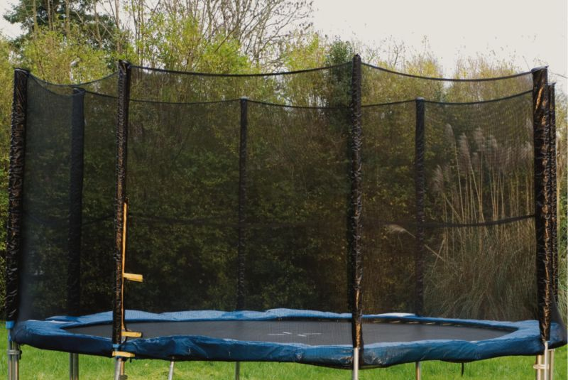 BandQ 12Ft Trampoline Enclosure
