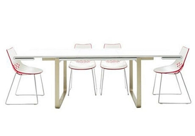 ext. dining table and 4 chairs Table and 4 fuchsia New York chairs