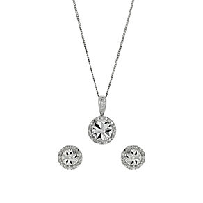 9ct white gold 15 point diamond earrings & pendant set - Product number 1326406
