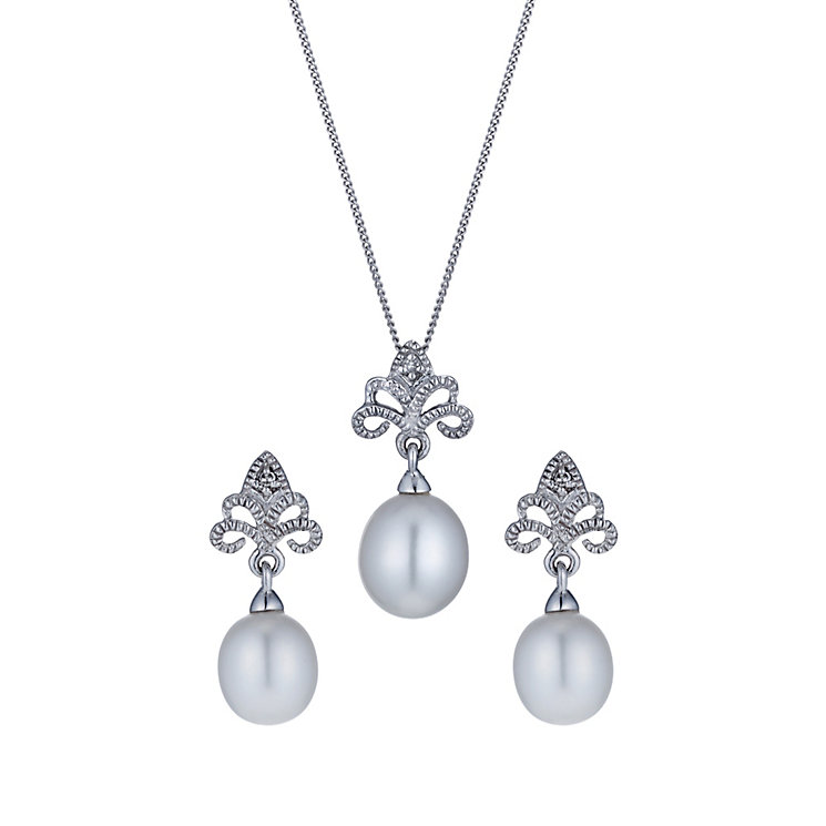 9ct white gold cultured freshwater pearl pendant & earrings - Product number 1655019