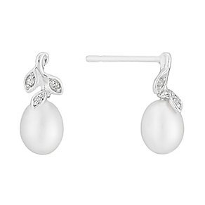 9ct white gold freshwater pearl and diamond drop earrings - Product number 2779145