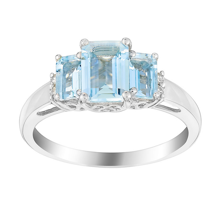 9ct white gold aquamarine and diamond ring - Product number 3074528