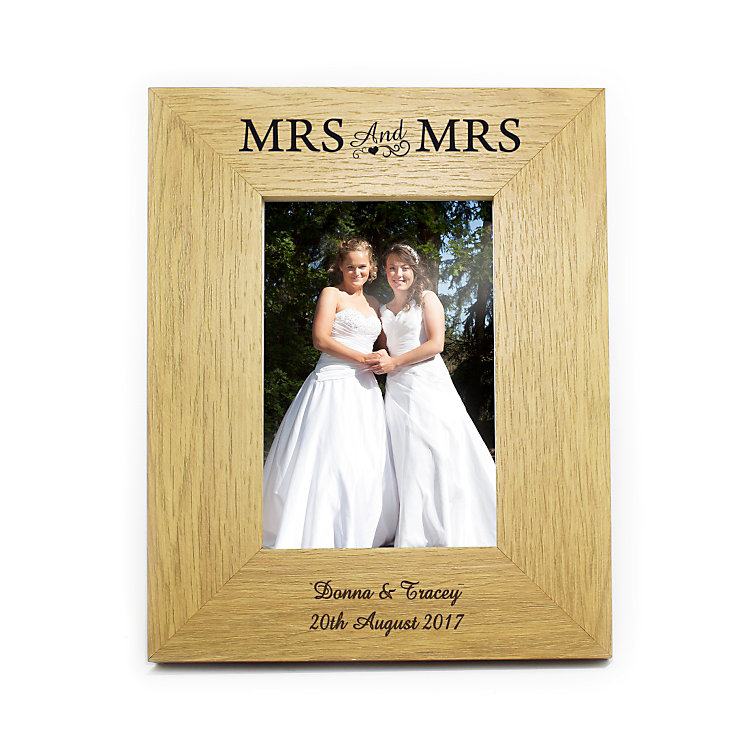 Engraved Mrs & Mrs 6x4 Wooden Frame - Product number 3486761