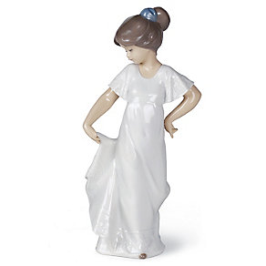 Nao Porcelain How Pretty! Figurine - Product number 3753700