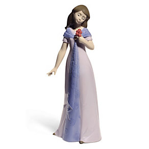 Nao Porcelain Elegant Pose Special Edition Figurine - Product number 3753794