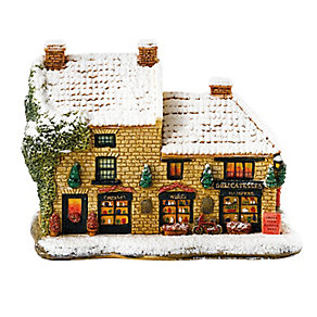 Lilliput Lane Christmas Hamper - Product number 3794350