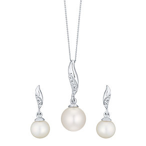 9ct White Gold Cultured Freshwater Pearl & Diamond Set - Product number 4298500