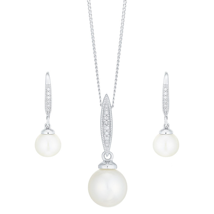9ct White Gold Cultured Freshwater Pearl Diamond Set - Product number 6075061