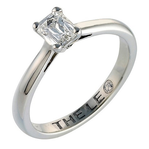 Platinum 40 points Leo Diamond solitaire ring