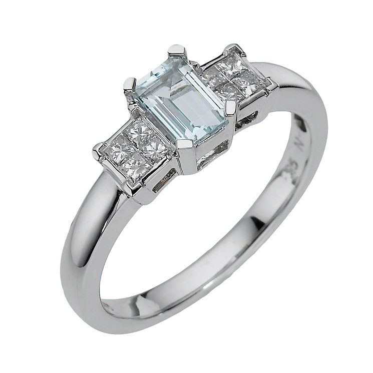 9ct white gold diamond & emerald cut aquamarine ring - Product number 8209464