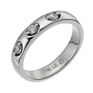 Leo Diamond platinum three stone diamond ring - Product number 8213070