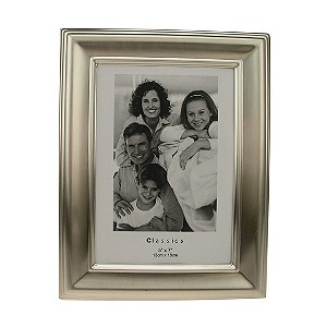 "Classic Photo Frame 5""x7"" - Product number 8238510"