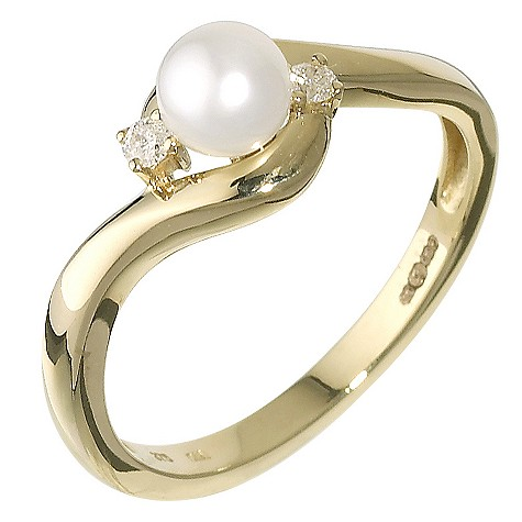 9ct gold cultured freshwater pearl and diamond ring