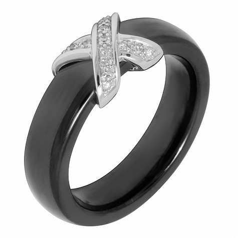 Amanda Wakeley diamond ceramic kiss ring