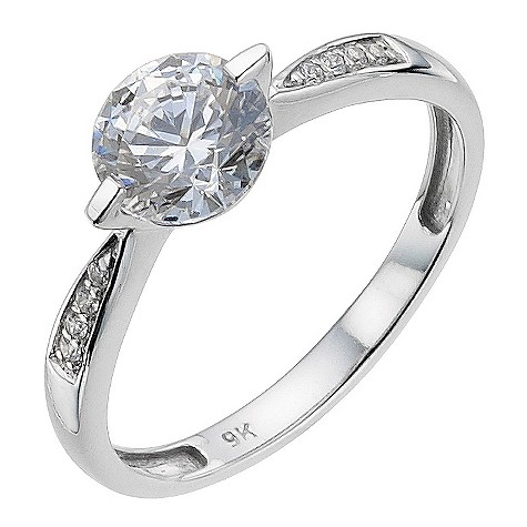 9ct white gold made with Swarovski zirconia 6.5mm ring