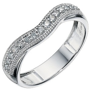9ct White Gold 1/4 Carat Diamond Shaped Band