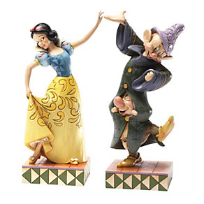 Disney Traditions Snow White, Dopey and Sneezy - Product number 9733809