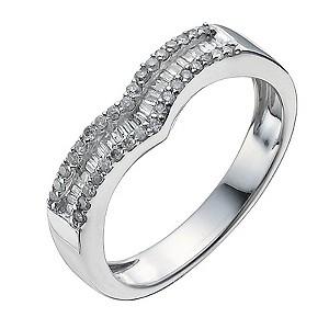 9ct White Gold Shaped Quarter Carat Diamond Ring